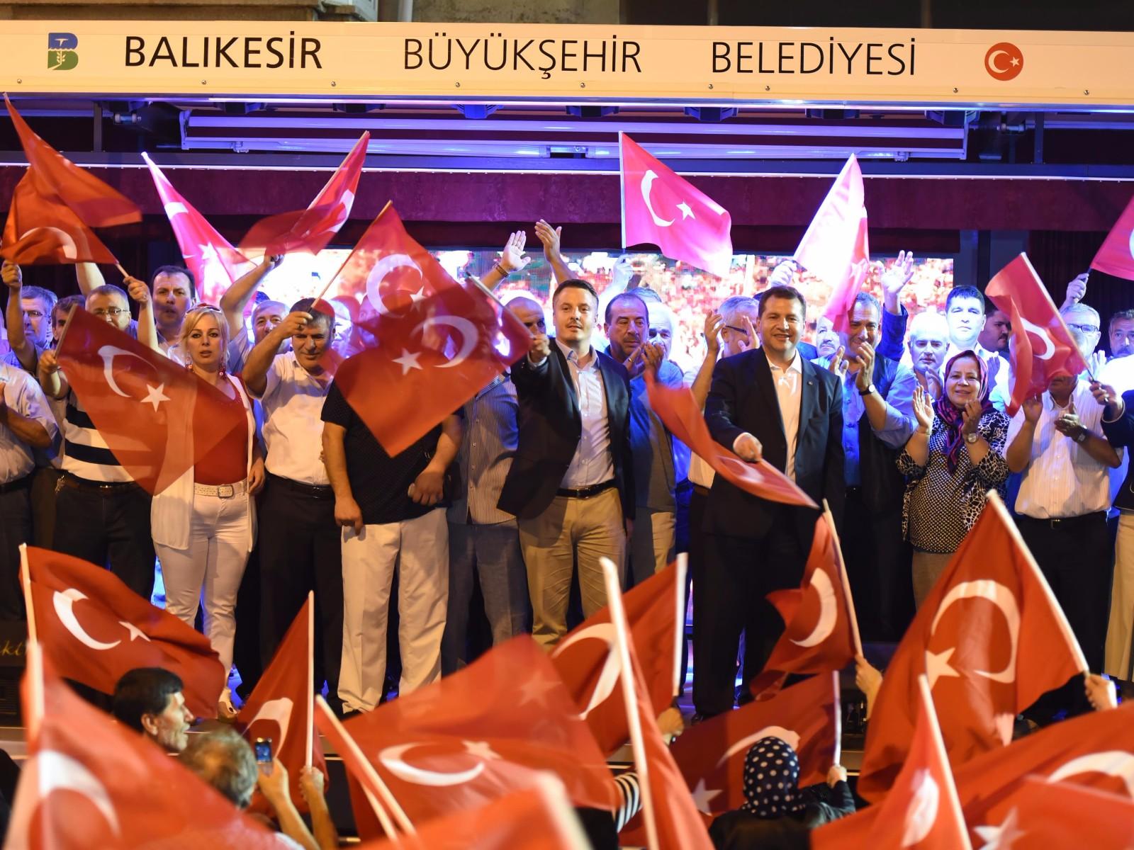Yılmaz Erdoğan Acil Şifalar