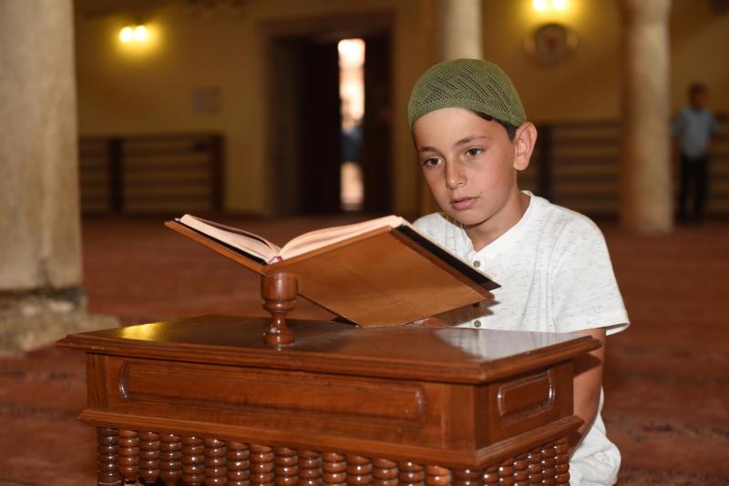 Yücel Yılmaz, Asım'ın neslini yetiştiyor