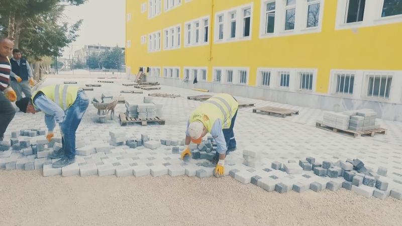 Karesi'de 45 okula 10 milyon 462 bin TL yatırım