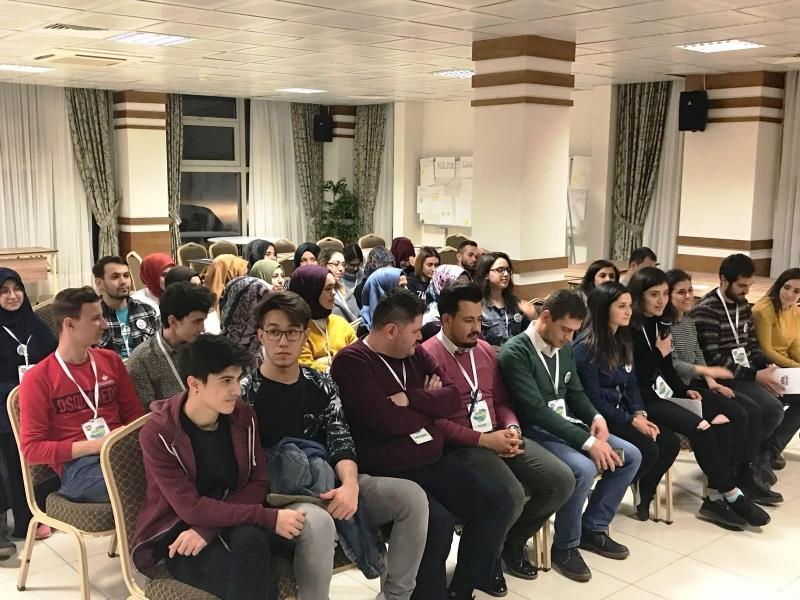 Gençlik Kampı'na katılan Başkan Yücel Yılmaz; 'Gençlerin fikirlerine ihtiyacımız var'