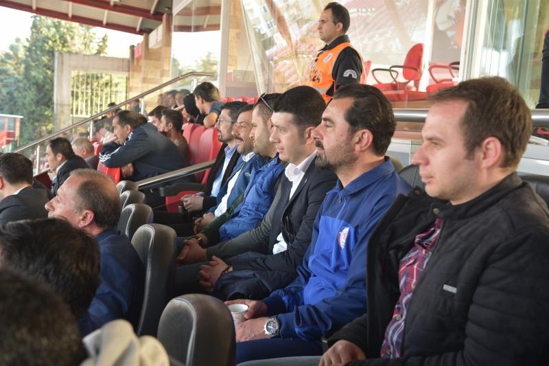 Balıkesirspor Baltok'a Play-Off Yolunda Karesispor Desteği