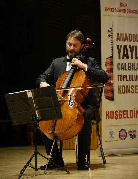 İzmir Devlet Senfoni Orkestrası'ndan önce eğitim sonra konser