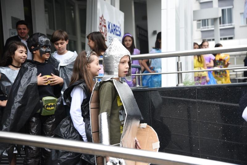 Karesili öğrencilerden geri dönüşüm sergisi