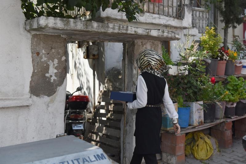 Karesi'de gönül sofraları evlerde kuruluyor
