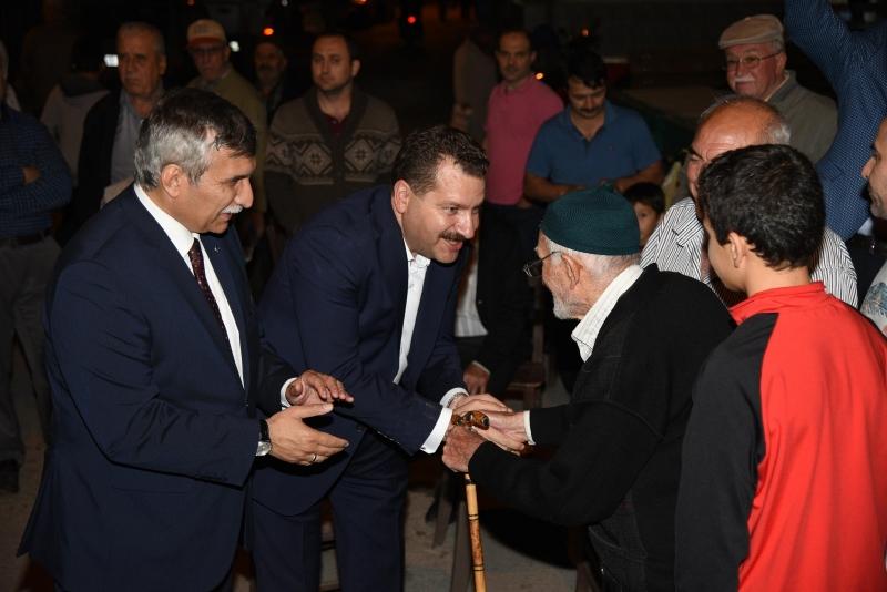 AK Kadrolar Karesi'de sıkmadık el bırakmadı