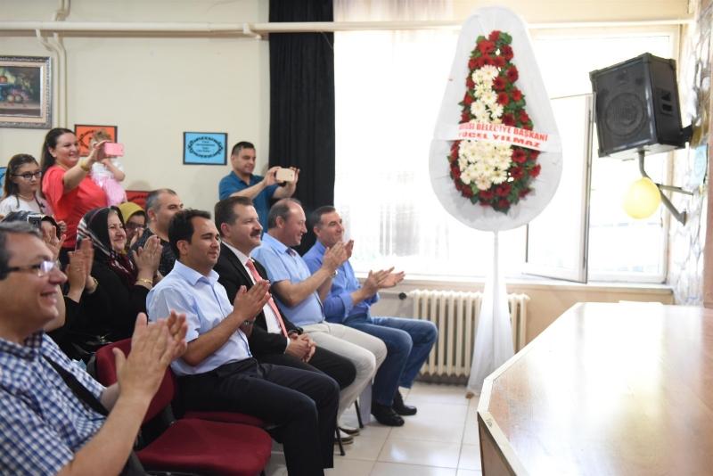 Karesili miniklerin mezuniyet sevinci