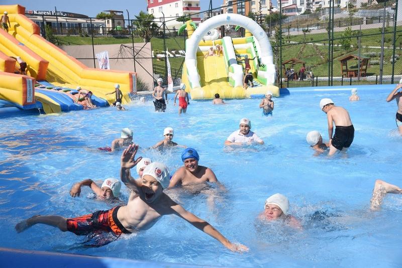 Karesi'de aqua park keyfi
