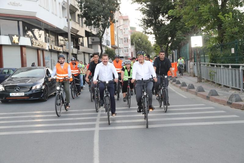 Bisiklet Dostu Başkan, Zeytinburnu'nda pedal çevirdi