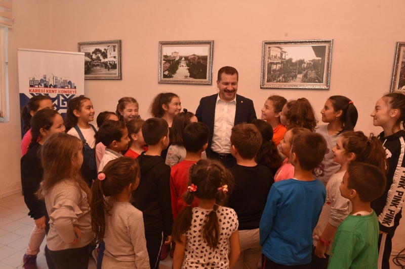 Gençlerin ve çocukların başkanı