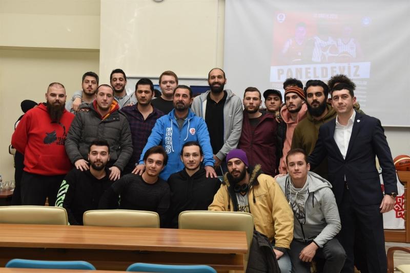 Karesispor üniversiteli öğrencilerle buluştu
