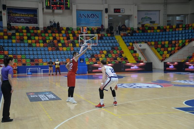 Karesispor ilk mağlubiyetini Konya'da aldı