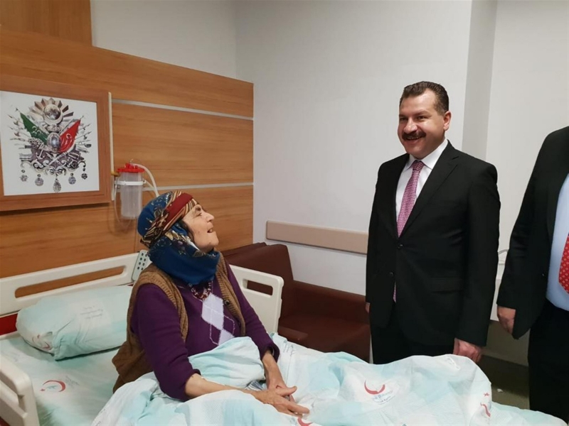 Yücel Yılmaz'dan Havran'da hasta ziyareti
