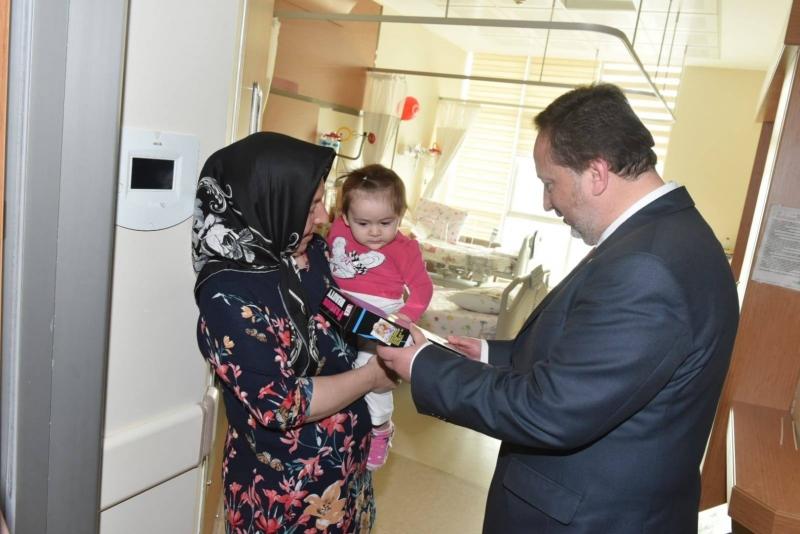 Başkan Orkan'dan Hasta Çocuklara 23 Nisan Sürprizi