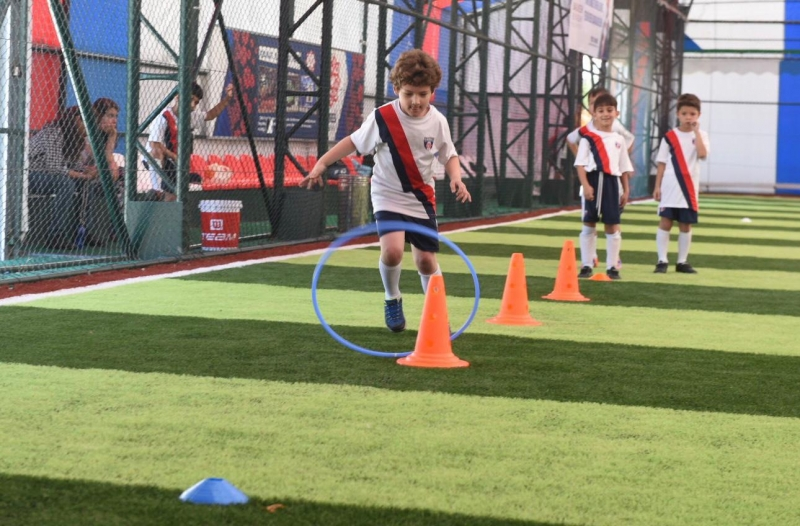 Başkan Orkan 'Futbol Yaz Okulu'nda