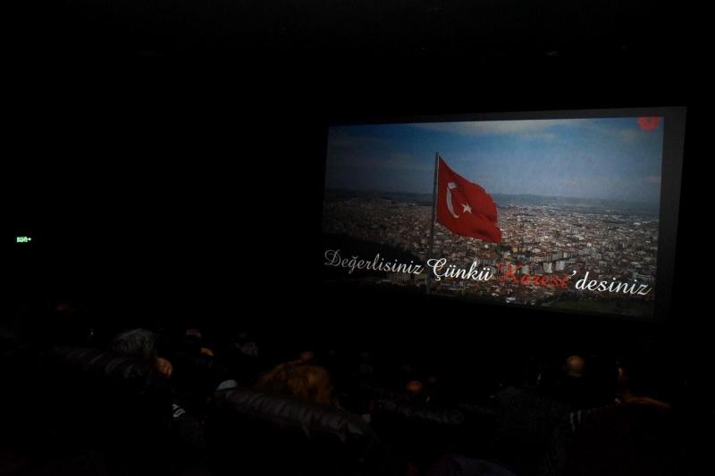 'Engeller Sevgiyle Aşılır' film gösterimi yapıldı