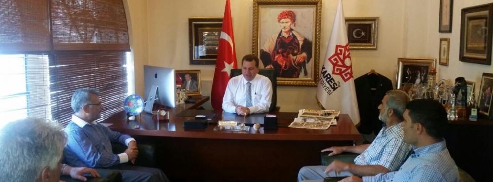 Başkan Yücel Yılmaz, Kepsut Belediye Başkan Yardımcısı Zeki Konuk'u ağırladı.