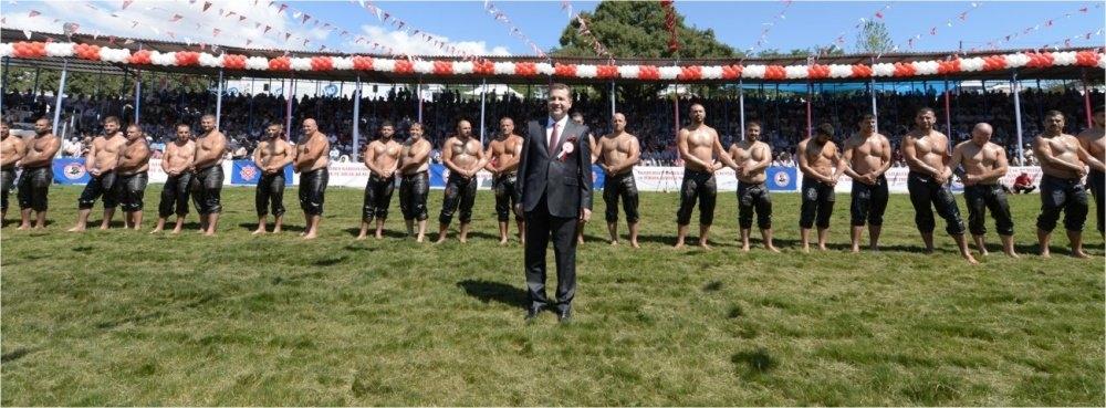 """Başkan Yücel YILMAZ, """"Güreşçiler sadece güreşmeyi düşündü"""""""