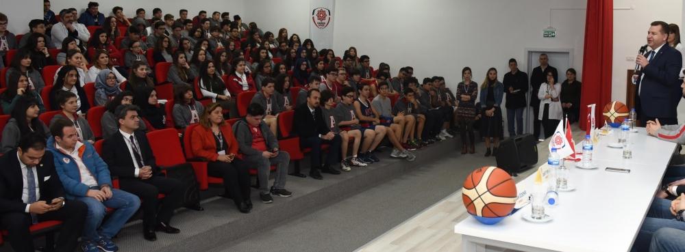 Başkan Yılmaz Açı Koleji'nde