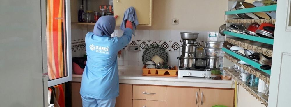 Karesi, 8 ayda 502 kez ev temizledi