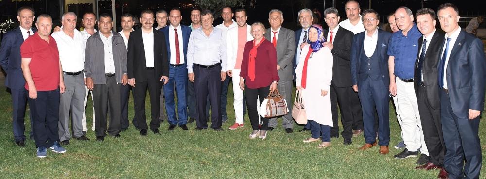 Başkan Yılmaz İzmir'de yaşayan Balıkesirliler ile bir araya geldi