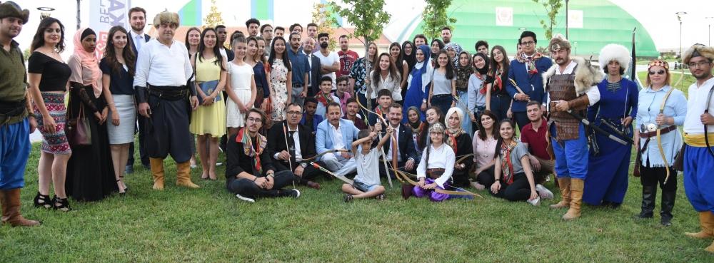 Dünya Gençliği Karesi'de Buluştu