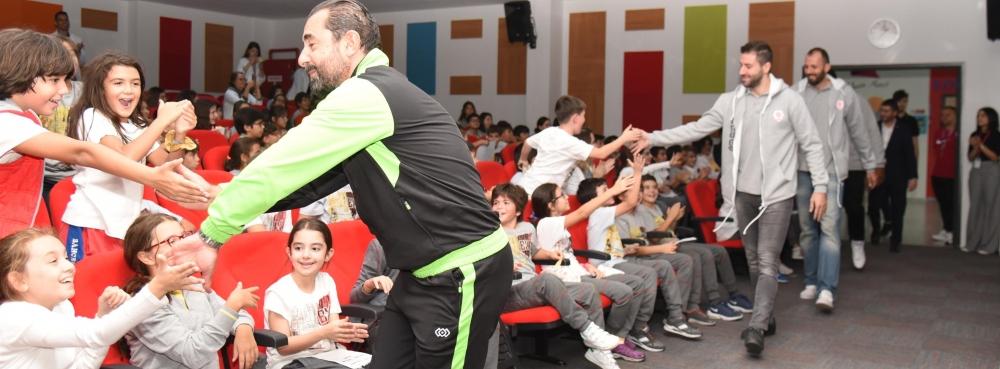 Karesispor sezonu Bahçeşehir Koleji'nde açtı
