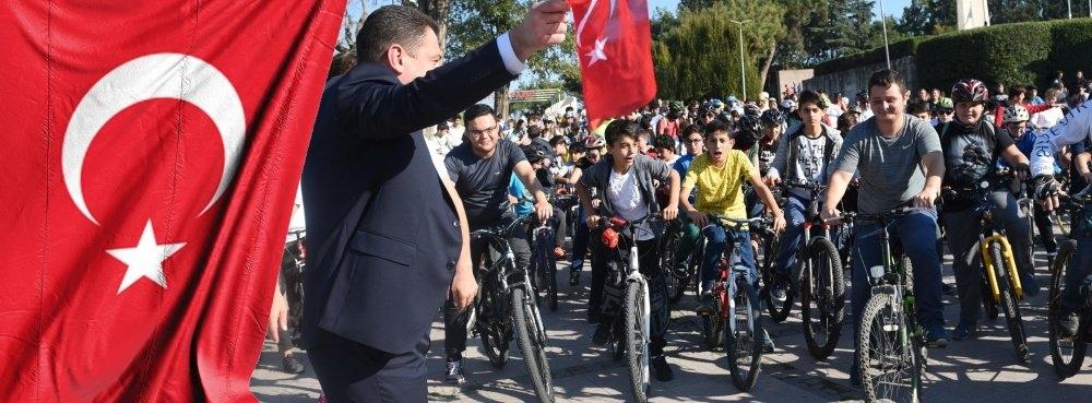 Cumhuriyet için pedalladılar