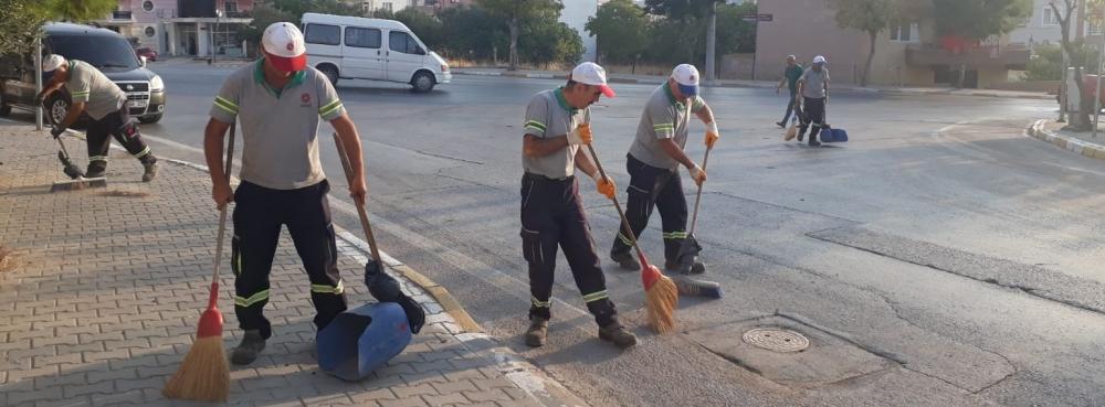 Karesi'de Sokaklara Dip Bucak Temizlik