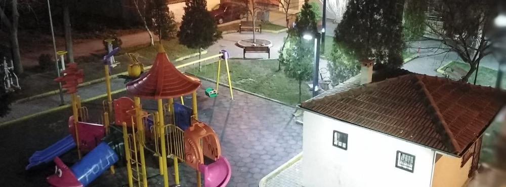 Karesi'de parklar ışıl ışıl